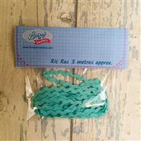 Living in Loveliness 3m Ric Rac, Mint