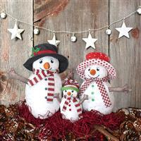 Amber Makes Snowman Family Kit: Instructions & Panel Plus Exclusive Snowman Pin Badge