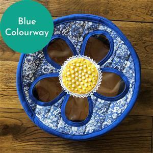 Sallieann Quilts Blue Cherry Sewing Tub Kit: Instructions, Fabric (2.5m) & FQ (2pcs)