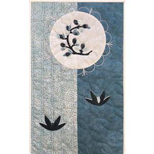 Village Fabrics Japanese Wall Hanging - Winter Clover